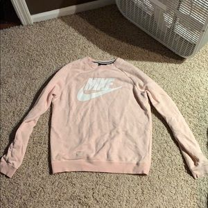Nike Women's small crew long sleeve sweatshirt